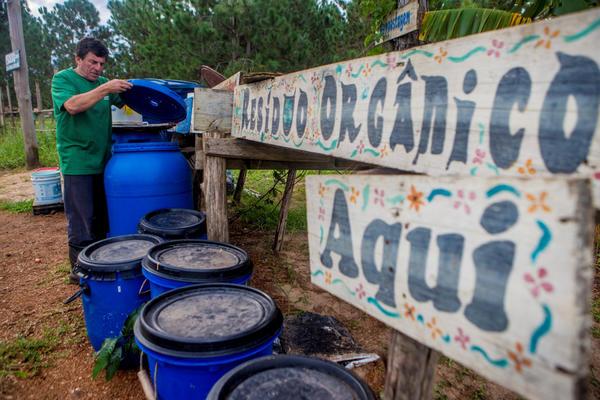 Ataíde Silva, articulador do Pacuca, onde são produzidos alimentos orgânicos - Flávio Tin/ND