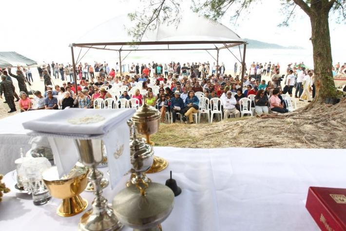 Missa marca a abertura oficial da pesca da tainha em Florianópolis - Marco Santiago/ND