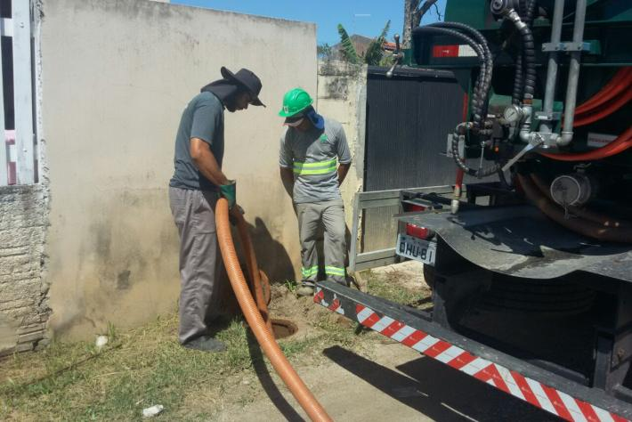 CASAN realiza nesta quinta mais uma ação de fiscalização ao despejo de esgoto irregular no Campeche