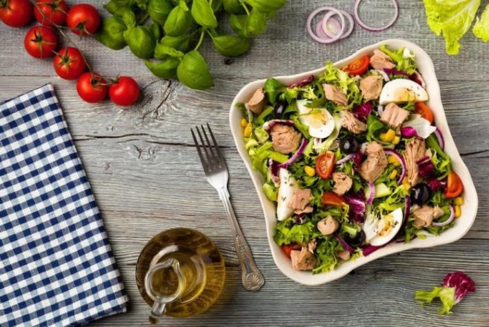 Salada detox pós-páscoa