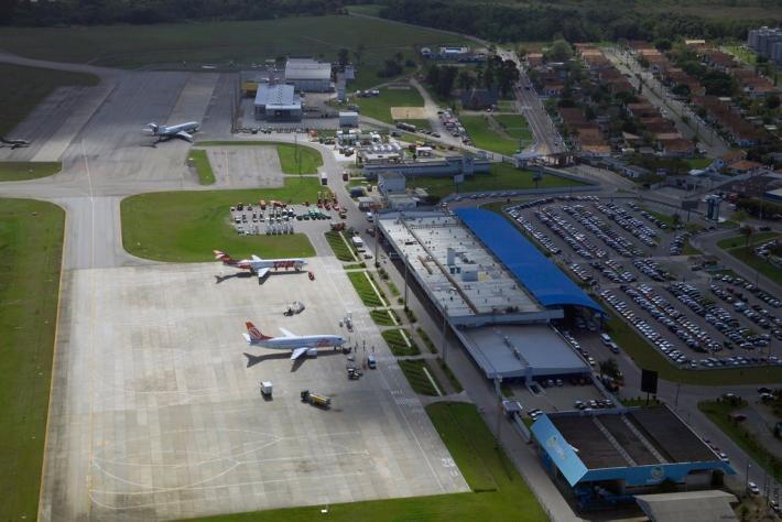 Plano B para novo acesso ao aeroporto depende de regeneração de banhado